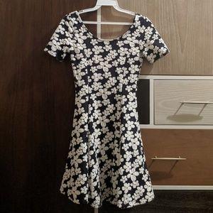 H&M Dividend Floral Dress